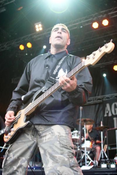 agnostic_front_-_reload_festival_2011_16_20110706_1359186303