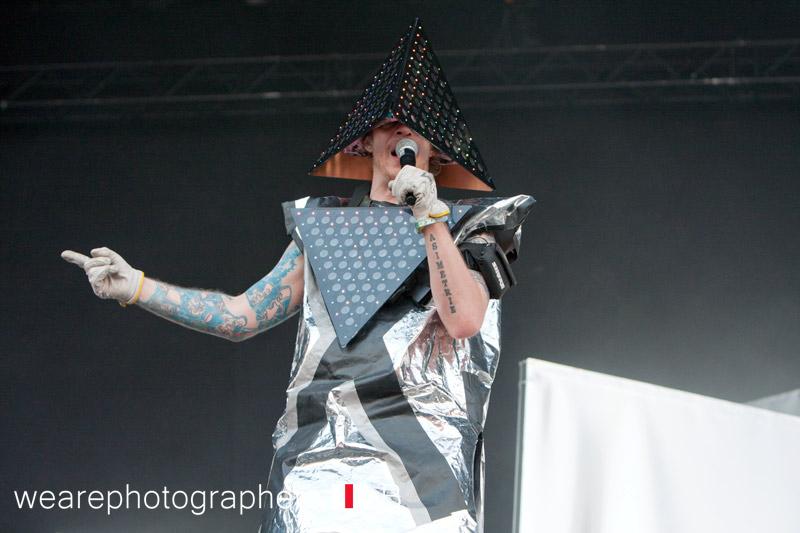 deichkind_auf_dem_chiemsee_rocks_festival_2012_13_20120824_1240511925