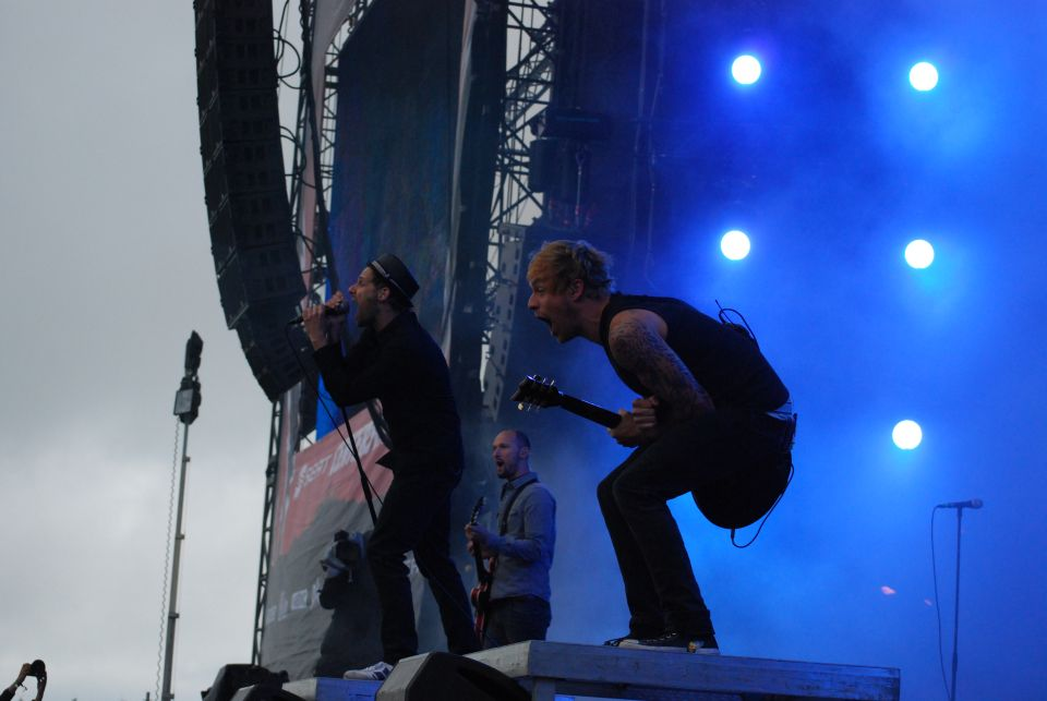 donots_bei_rock_am_ring_2012_3_20120605_1607145157