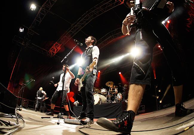 fiddlers_green_-_bretinga_festival_2011_12_20110806_1552280013
