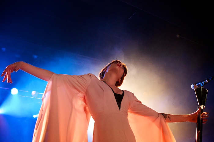florence_and_the_machine_2012_in_hamburg_17_20120416_1917931234