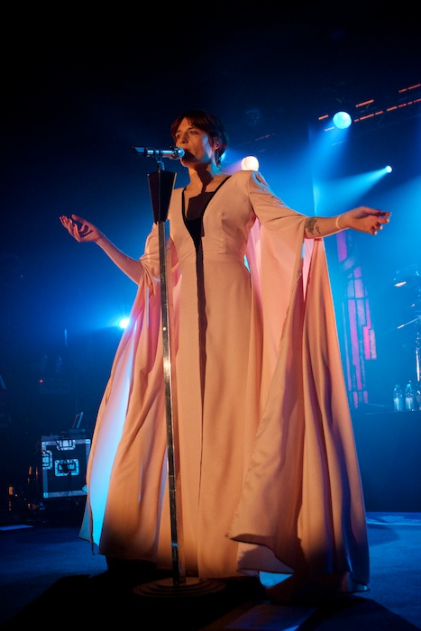 florence_and_the_machine_2012_in_hamburg_7_20120416_1706660576
