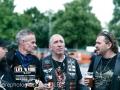 """<strong>Ohrenfeindt</strong> steht für arschtretenden <em>&#8220;Vollgas-Rock&#8221;</em> aus St. Pauli, 1994 in Hamburg gegründet. Wir trafen den Sänger &#8220;Chris Laut&#8221; der deutschen Hardrockband in Hannover und unterhielten uns mit ihm über die Schule des Rock&#8217;n&#8217;Roll, wie ein Hobby zum Fulltime-Job werden kann und natürlich über das neue Ohrenfeindt-Album <strong>""""Schwarz auf Weiß""""</strong>."""
