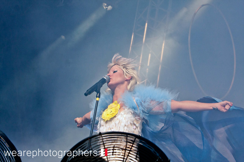 mia_bei_energy_in_the_park_2012_8_20120921_1929371062