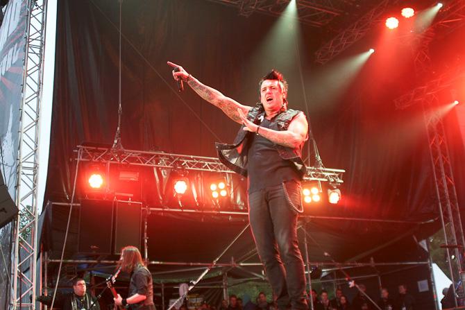 papa_roach_-_reload_festival_2011_18_20110706_1684979286