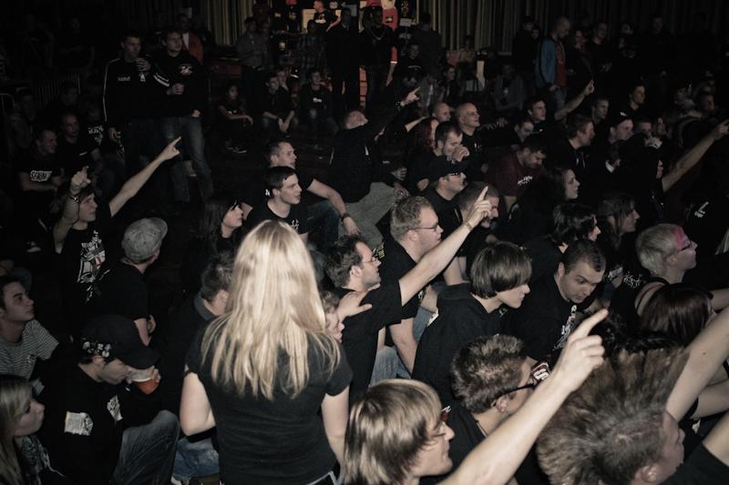 seulingswald_rockfest_2012_mit_kaerbholz_serum_114_und_unantastbar_27_20111115_1360769419