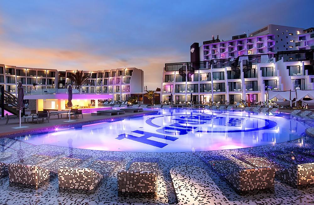 Hard Rock Hotel Ibiza SplashPool Night