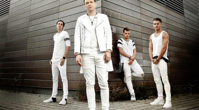 "RUN LIBERTY RUN Debütalbum ""We Are"" VÖ: 22.07.16 (earMusic/Edel Music Distribution)"