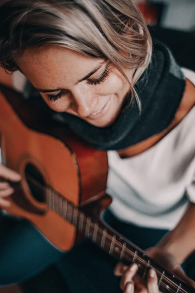 Gitarre spielen lernen für Anfänger
