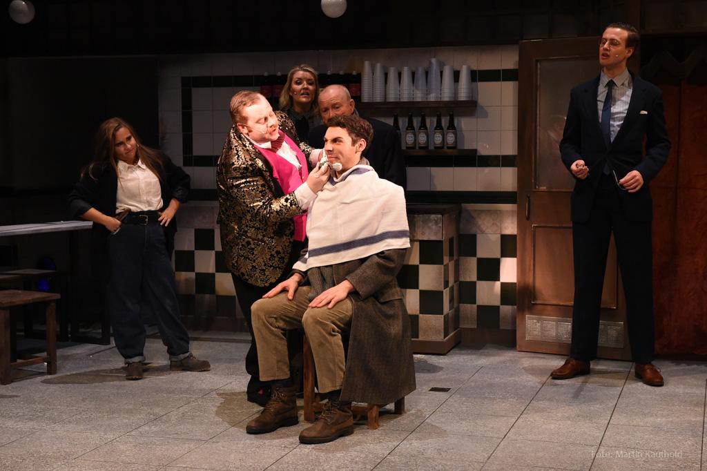 Musical Erfahrungsbericht zu Sweeney Todd – The Demon Barber of Fleet Street im Deutschen Theater - Verführung vom 15.03.2020