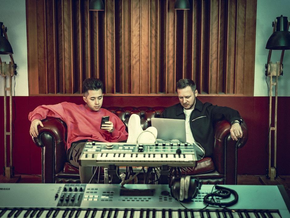 VIZE - Das Berliner DJ-Duo im Interview über elektronische Musik & Rock Musik